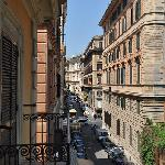 View from our balcony to the left Via Firenze (Traffic Light- via Nazionale)