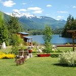 Griffin Lake Mountain Lodge Bed and Breakfast