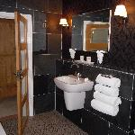 room 7 bathroom