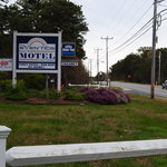Even'tide Motel and Cottages