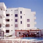 Tuntas Apart Hotel Altinkum