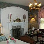 """Ramblin' Rose"" Guest Room"