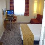 Holiday Inn Express London-Newbury Park resmi