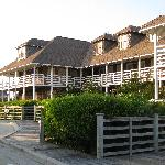 The front of the First Colony Inn