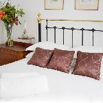  Double bed or twin beds available upon request