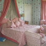  Bed with Laura Ashley wallpaper