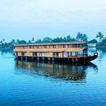 Фотография River Queen Houseboats