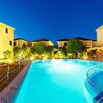  Alkyon Apartments &amp; Villas Hotel - Pool and Bar
