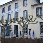 Les Bords de Seine Hotel-Restaurantの写真