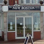 The New Boston Hotel resmi