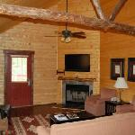 Living room & Kitchen 3 bd cabin