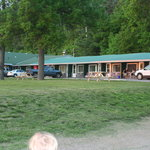 Ash Grove Inn