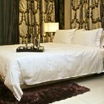 Damas Suites and Residences