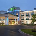 ‪Holiday Inn Express Airport Dieppe‬