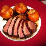 Magret de canard with grilled apricots