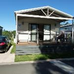Geelong Riverview Tourist Park 2bedroom with spa cabin