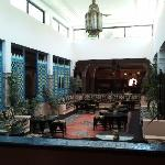 Photo de Hotel Ahlen Tangier