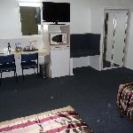 Motor Room Centrepoint TV & Mini Bar