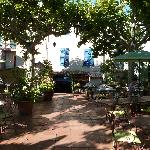 Photo of Hotel Restaurant Le Clos des Aromes