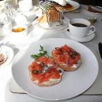 smoked salmon with bagels