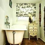 French Room bath