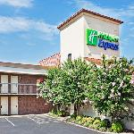 Foto de Holiday Inn Express Hickory - Hickory Mart