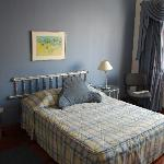 Double room queen size bed