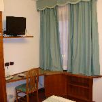  Hotel Carlo Felice - standard double room - working area