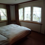 spacious & airey bedroom