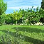  Bastide des Cardelines&#39; front yard
