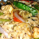 Soft rice noodles sauteed with vegetables & chicken