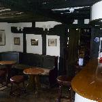 The Brocket Arms resmi