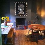 the Belvidere's warm & funky breakfast room