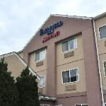  The Fairfield Inn of Salina, KS offers a middle-of-the-road experience in the middle of America.