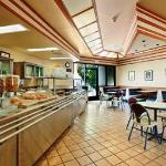 Foto Days Inn & Suites Fullerton