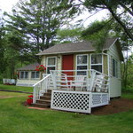Bay Breeze Cottages & Motel