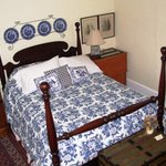 The Guest Rooms at Jones & Jones Ltd. Antiquesの写真