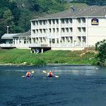 ‪BEST WESTERN PLUS River Escape Inn & Suites‬