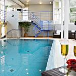 Villa Fridhem swimmingpool area