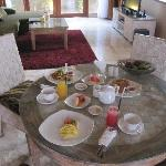 Living room with breakie