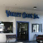 Valley Oaks Inn resmi
