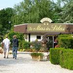 Photo de Hotel Le Mas des Lilas