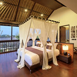 the suit master bedroom of Villa M 4-bedroom