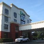 Holiday Inn Express Richmond Airport resmi