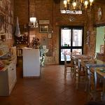  Hotel Porta Romana - reception and breakfast room