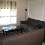 Colonial Court Villas Serviced Apartments resmi
