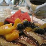  Great Breakfast with Vermont maple syrup!  Each day the breakfast was incredible.