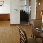 Rembrandt Towers Serviced Apartments resmi