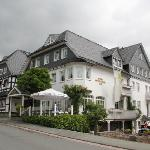  Facade van Hotel Sauerlnder Hof.