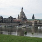 Blick von der Elbe zur Frauenkirche